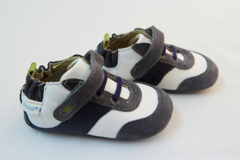Robeez παιδικό παπούτσι αγκαλιάς για αγόρι - Click Clothes e4ee83e0e89